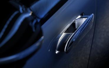 Mercedes-Benz EQS Electric Plug
