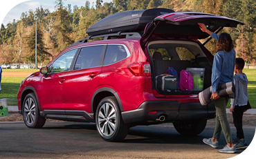 A standard power tailgate makes loading the 2021 Subaru Ascent fast and easy every time