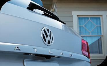 Compare new 2019 Volkswagen Atlas vs Chevrolet Traverse Performance Information