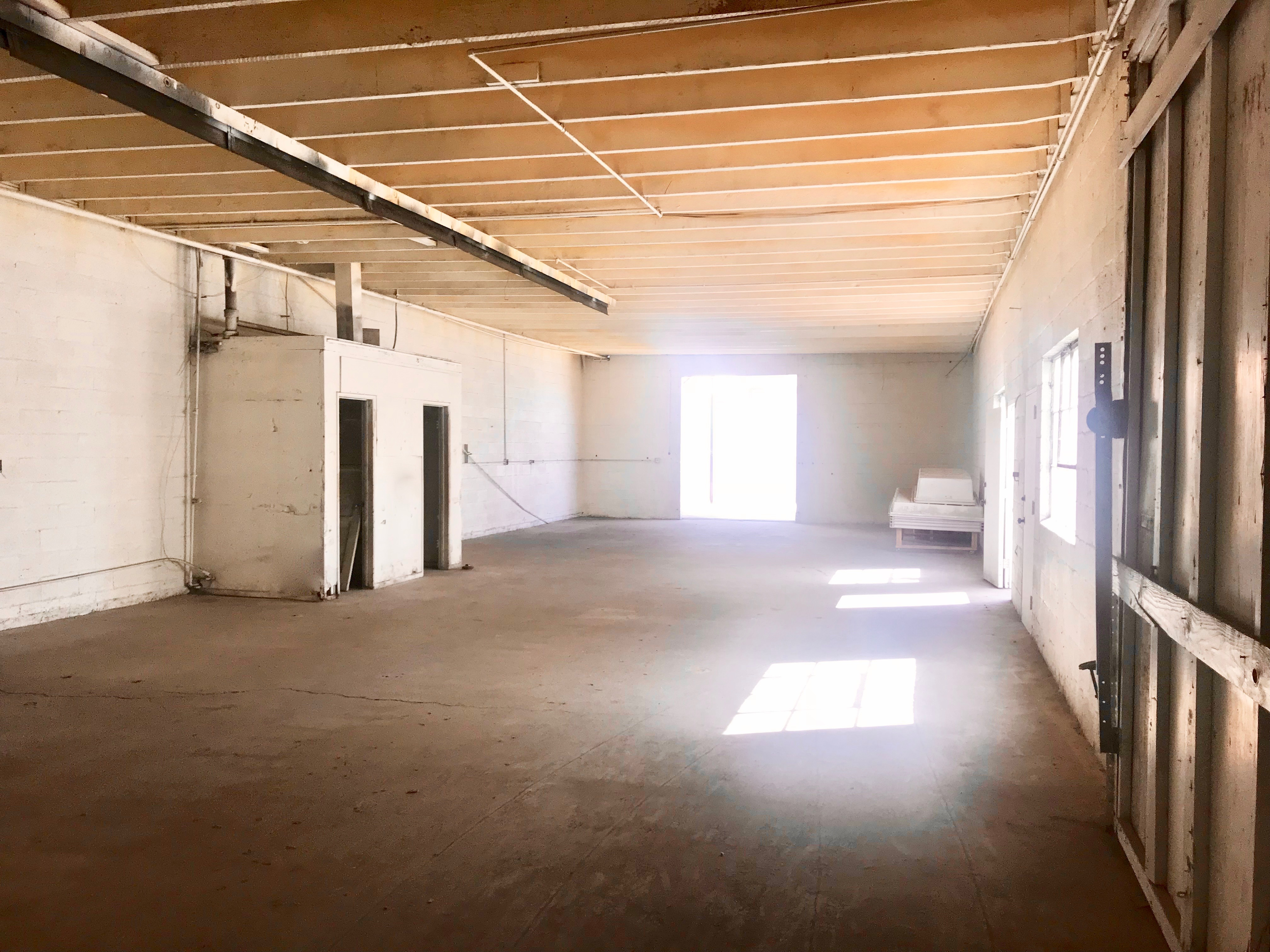 LEASED: WAY Under-Market: 6.4K SQFT in North Hollywood at $1.50 PSF