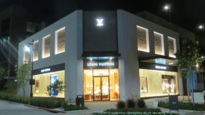 d0e4727e59d Fort Worth retail is changing rapidly and the Sept. 14 grand opening of The  Shops at Clearfork Fort Worth reflected those market shifts both locally  and ...