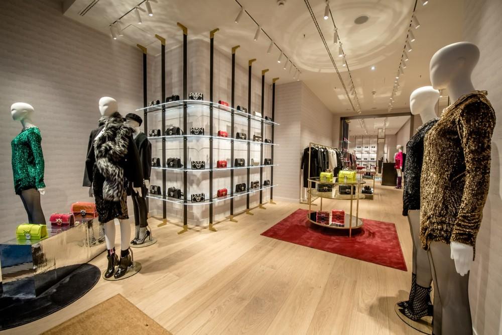promo code 19bf0 3a729 PINKO Opens New Store in Düsseldorf | 4urspace