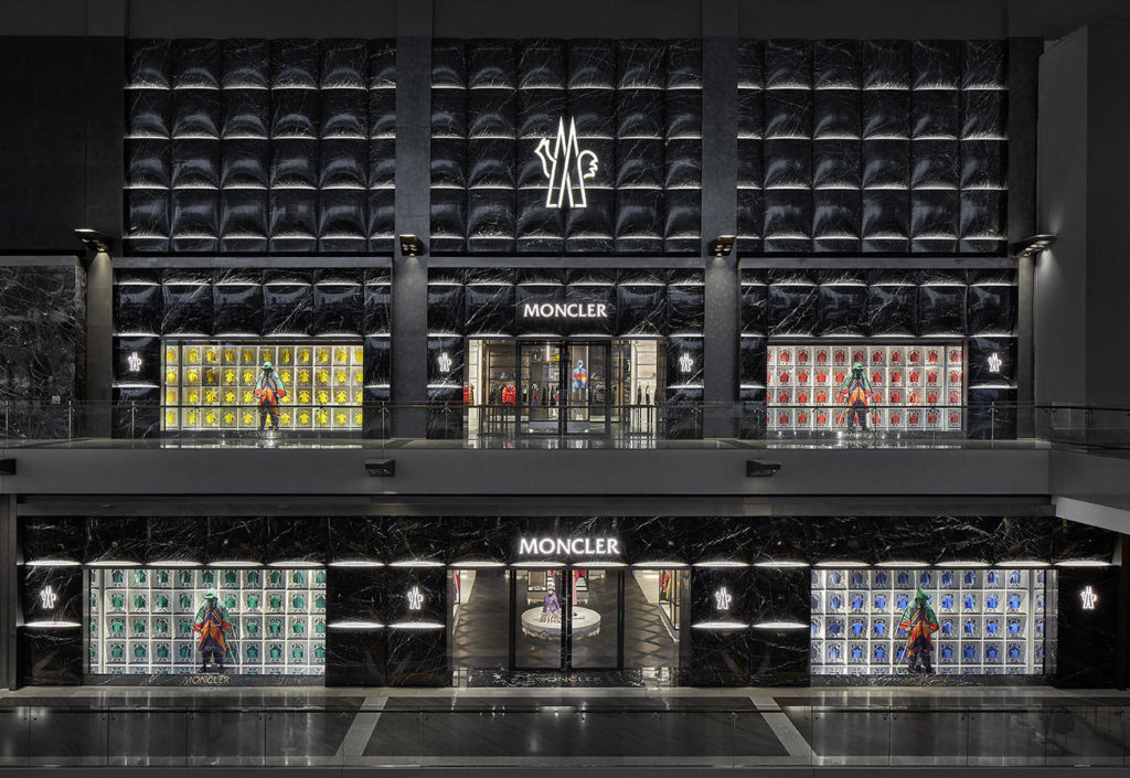 f708f2e9e5 Moncler strengthens its presence in the Asia-Pacific Region announcing the  opening of its new flagship store in Singapore s iconic Marina Bay Sands  complex