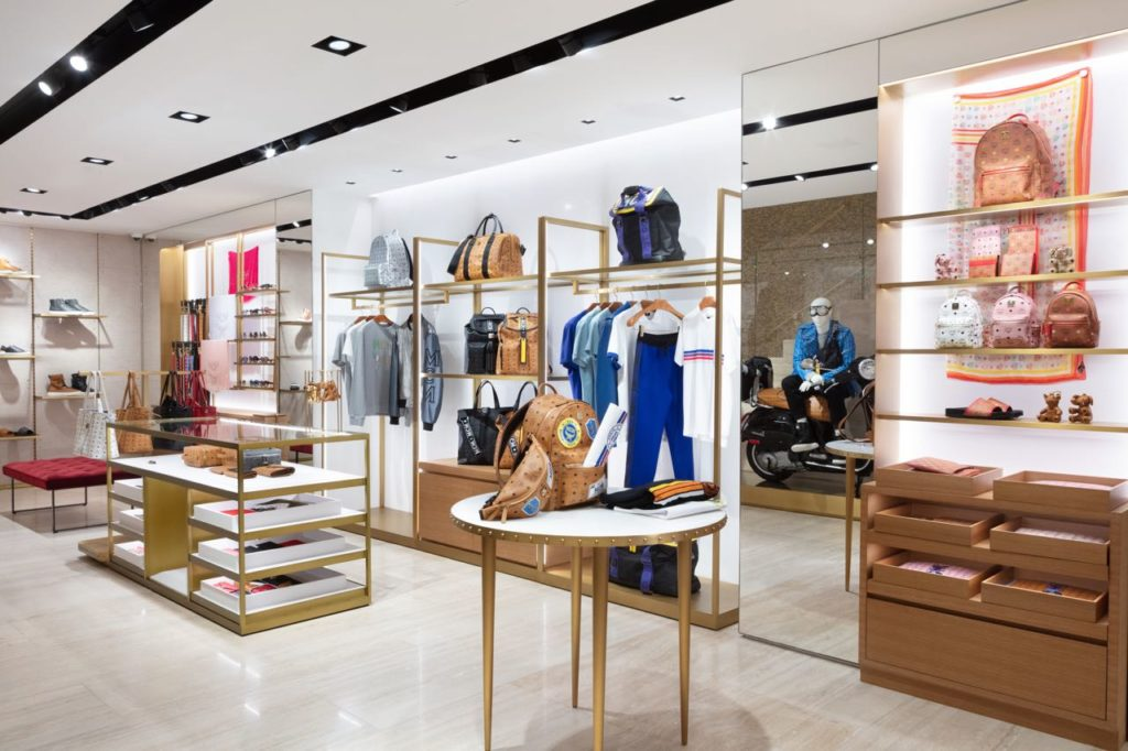 a3112746917 MCM Worldwide has opened the doors to its first global flagship retail  location in Los Angeles. The new 4,427 square-foot boutique is located in  the heart ...