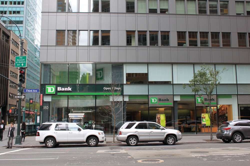 TD Bank 880 3rd Ave New York, NY 10022 on 4URSPACE retail
