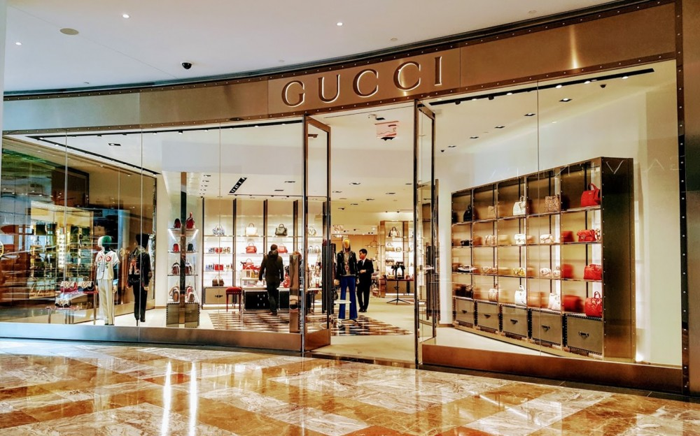 GUCCI 230 Vesey St. New York, NY 10281 on 4URSPACE retail