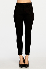 High-rise 5-pocket ankle skinny with rinse wash.