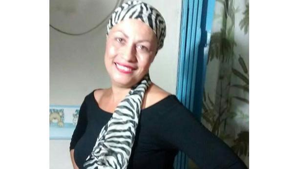 Ajude a Sílvia a se livrar do câncer de mama