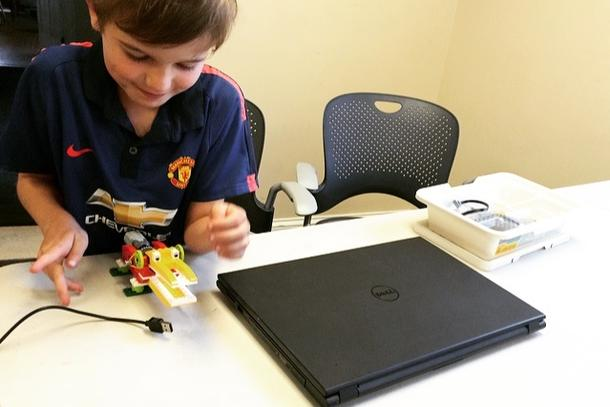 Coding & Robotics Workshop for Kids on Nov 1st from 1:45 - 3:15PM at the Hingham Community Center!
