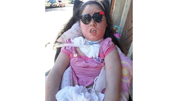 Cadeira de rodas para Maria Eduarda