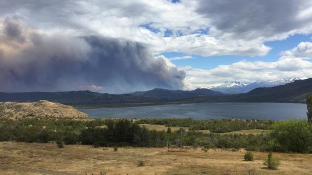 Ayuda a combatir el incendio de Cochrane  - Patagonia