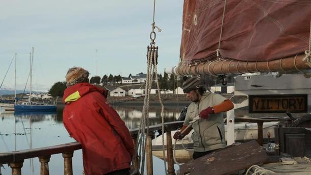 escuela de vela tradicional itinerante autosustentable en la embarcación clásica goleta victory de bandera chilena