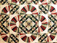 King Hunter Green and Burgundy Jacobs Ladder Fan Quilt