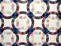 Multicolor Double Wedding Ring Quilt
