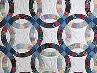 Twin Size Multicolor Double Wedding Ring Quilt