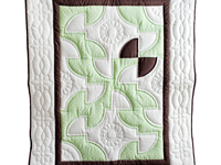 Indiana Amish Pistachio Green, Brown and White Solomon's Puzzle Crib Quilt