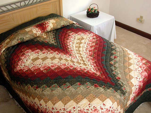 Dark Green Brick and Tan Bargello Heart Quilt Photo 1