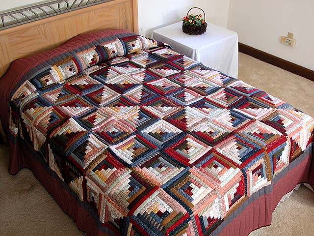 King Red Navy and Multicolor Log Cabin Quilt Photo 1