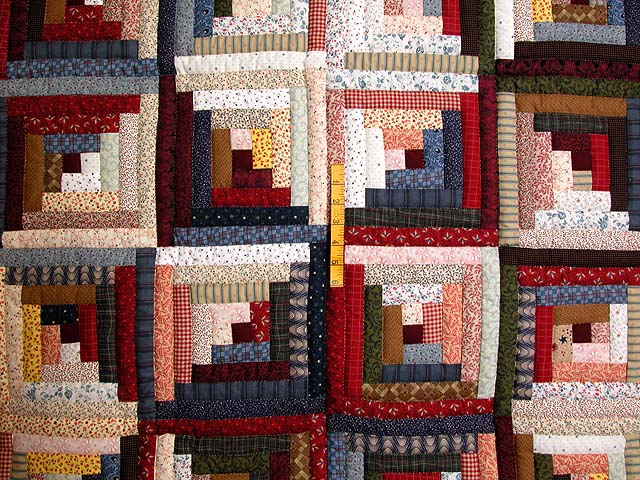 King Red Navy and Multicolor Log Cabin Quilt Photo 4