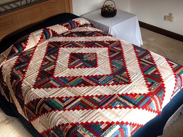 King Navy Red and Multicolor Stepping Stone Log Cabin Quilt Photo 1