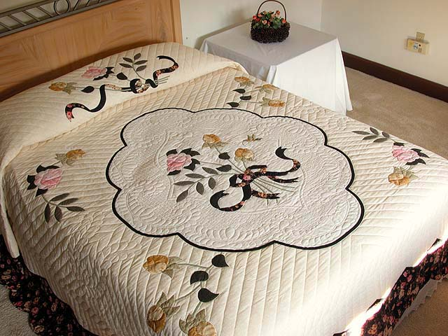 King Gold and Rose Lancaster Treasures Quilt Photo 1