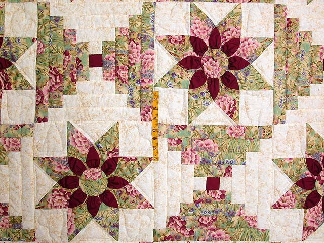 Sage and Maroon Dahlia Log Cabin Quilt Photo 4