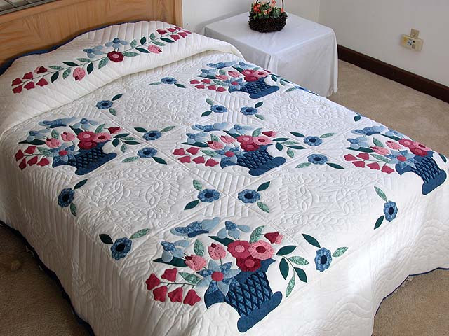 Blue and Rose Garden Baskets Quilt Photo 1