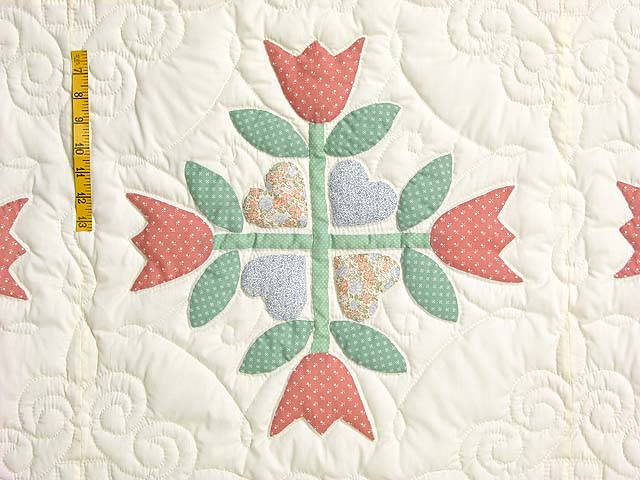 Pastel Country Tulip Album Quilt Photo 4