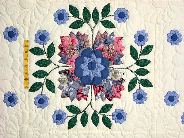 Blue and Rose Harrison Rose Quilt Photo 4