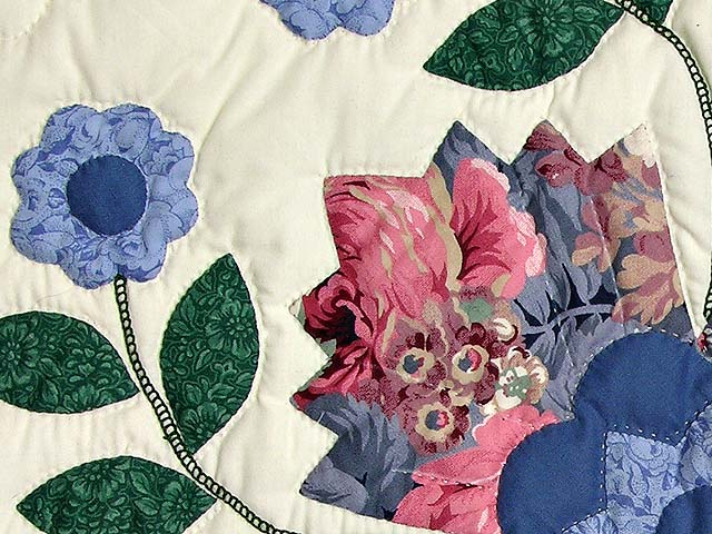 Blue and Rose Harrison Rose Quilt Photo 5