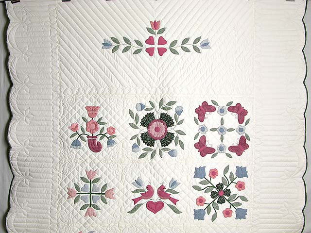 Pastel Applique Album Sampler Quilt Photo 2