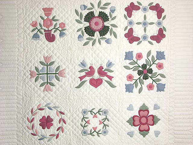 Pastel Applique Album Sampler Quilt Photo 3