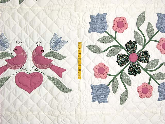 Pastel Applique Album Sampler Quilt Photo 4