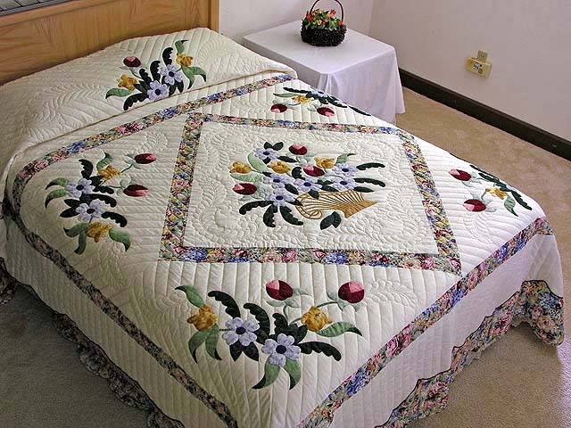 Pastel Blue and Rose Spring Basket Quilt Photo 1