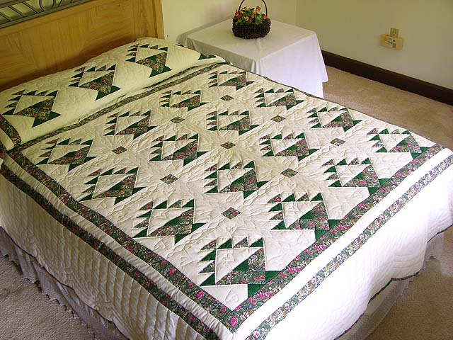 Green Patchwork Basket Quilt Photo 1