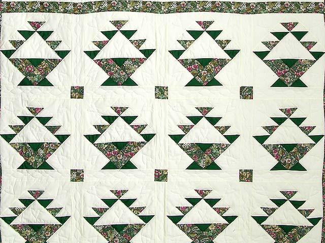 Green Patchwork Basket Quilt Photo 3