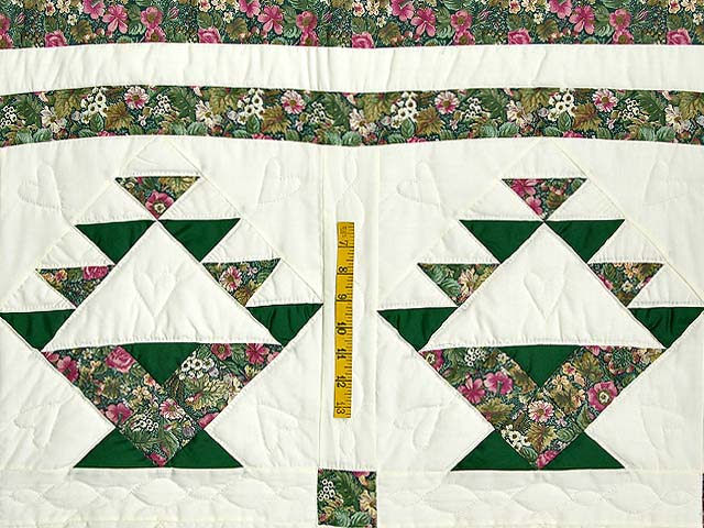 Green Patchwork Basket Quilt Photo 4