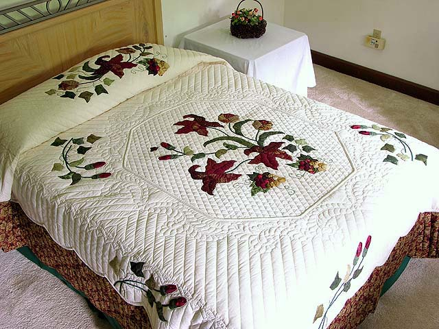 Burgundy and Gold Petal Showcase Quilt Photo 1