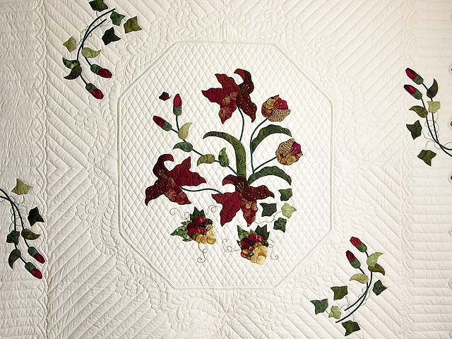 Burgundy and Gold Petal Showcase Quilt Photo 3