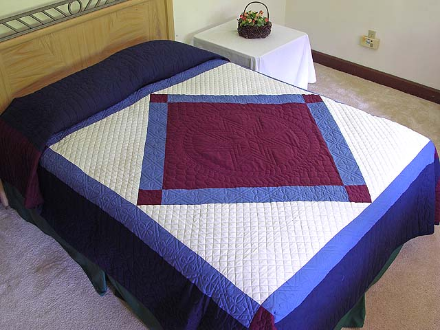 Amish Bright Center Diamond Quilt Photo 1