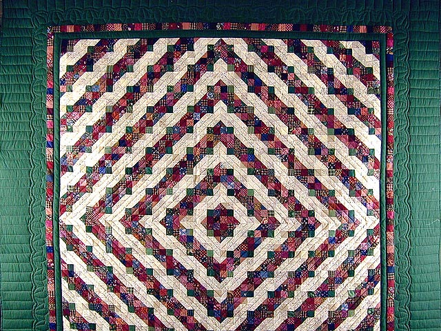 Green and Burgundy Split Nine Patch Quilt Photo 2