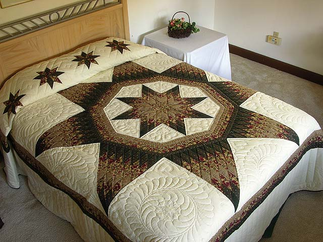 King Moss Burgundy and Tan Royal Star of Maryland Quilt Photo 1