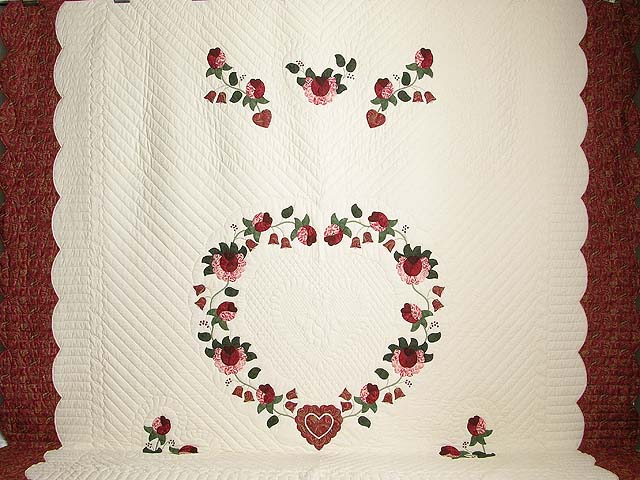 King Red Paisley Heart of Roses Quilt Photo 2