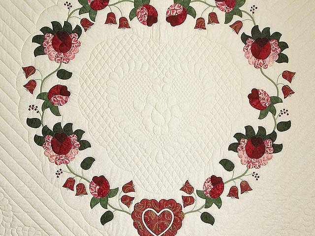 King Red Paisley Heart of Roses Quilt Photo 4