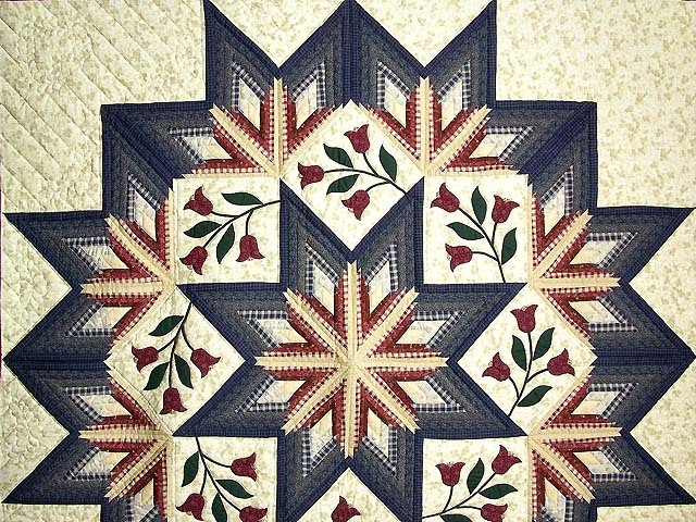 King Navy and Burgundy Eight Point Wreath Quilt Photo 3