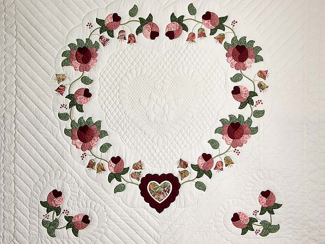Brick and Salmon Heart of Roses Quilt Photo 3