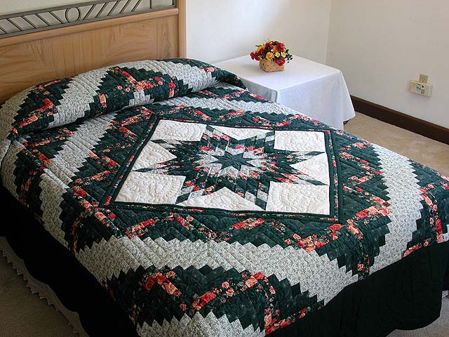 Green and Ripe Peach Lone Star Log Cabin Quilt Photo 1