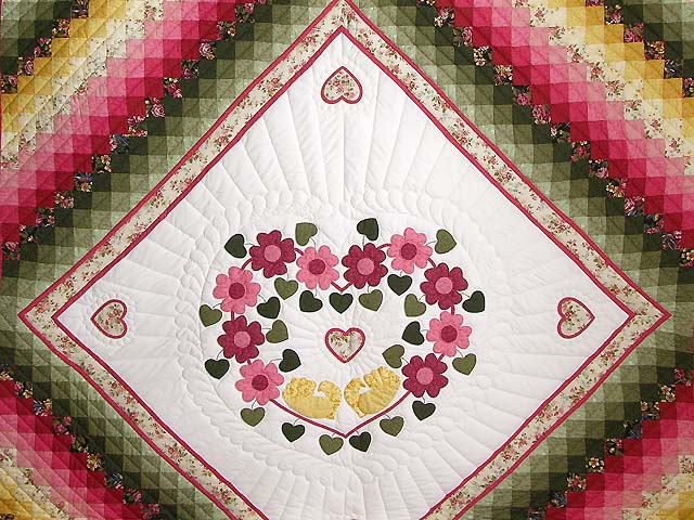 King Rose Peach and Gold Sweetheart Sunshine and Shadow Quilt Photo 3