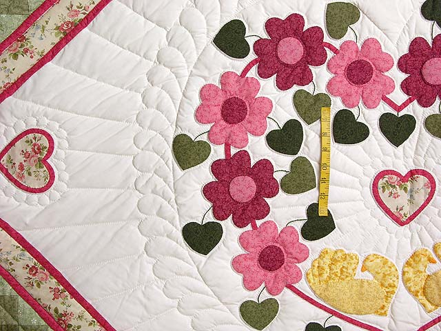 King Rose Peach and Gold Sweetheart Sunshine and Shadow Quilt Photo 4