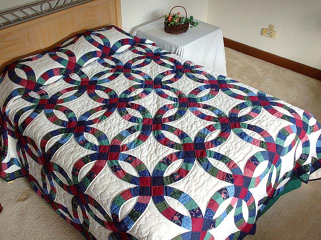 King Navy And Burgundy Double Wedding Ring Quilt